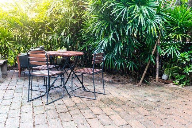 empty-wood-chair_1339-7085.jpg